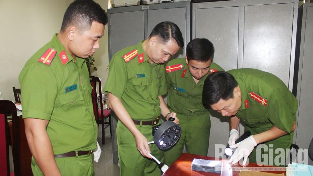 Lực lượng kỹ thuật hình sự Công an tỉnh Bắc Giang: Giải mã những vụ án khó
